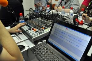 La platine et le PC avec lesquels Mangacast est enregistré